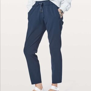 lululemon | on the fly navy woven pants